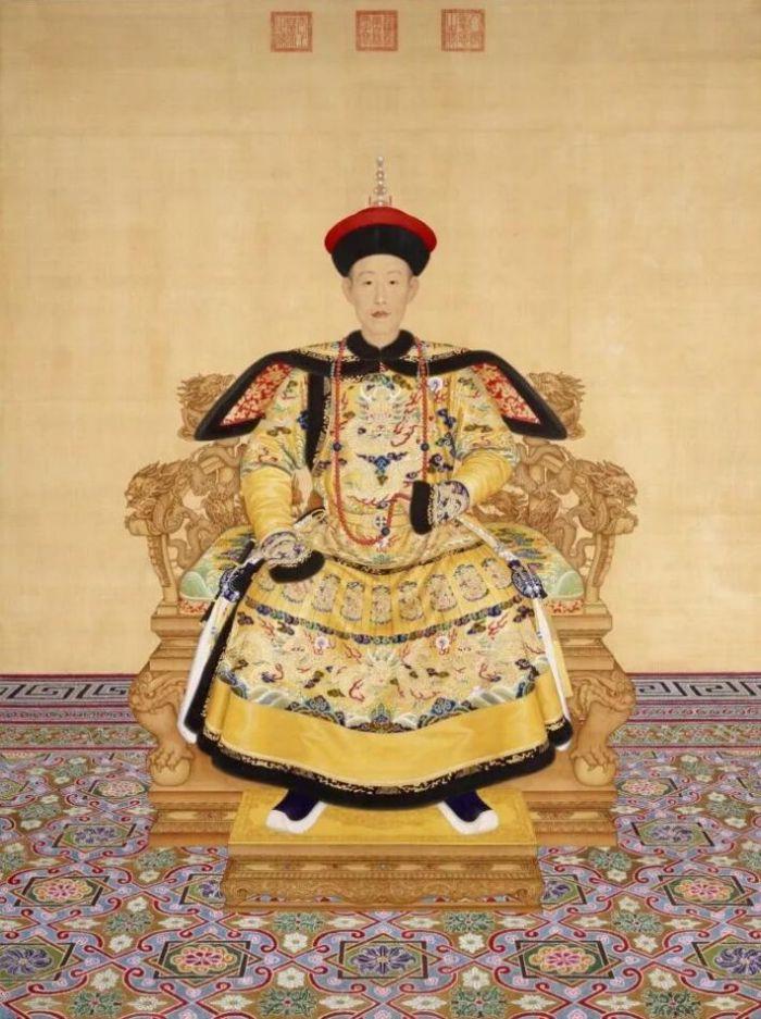 ▲郎世宁《乾隆皇帝朝服像》/故宫博物院