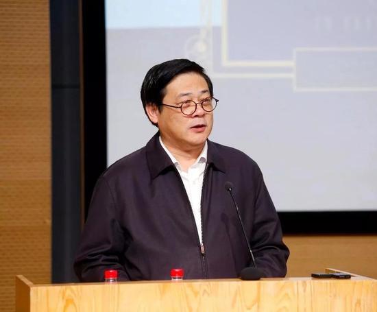 中国美术家协会驻会副主席徐里致辞